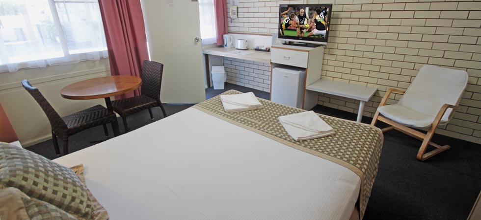 All of the rooms offer Free Wi-Fi, Reverse cycle air-conditioning, Tea and Coffee making facilities, and various other amenities at Binalong Motel. Goondiwindi - QLD